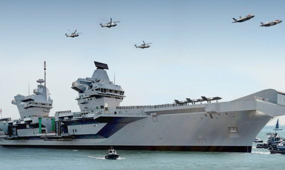 HMS Queen Elizabeth arrives Portsmouth