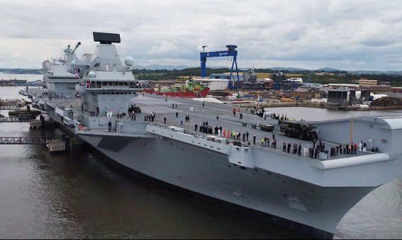 HMS Queen Elizabeth leaves Rosyth