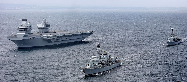 Royal Navy - Fleet Air Arm: News - Page 3 Queen-Elizabeth-Sutherand-Iron-Duke