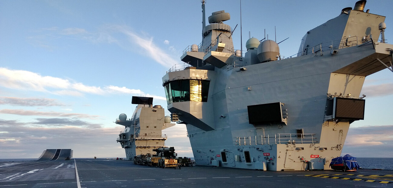 HMS Queen Elizabeth twa islands