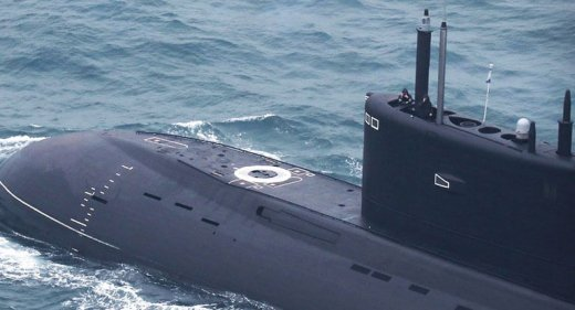 Russian Kilo class submarine Krasnodar in the English Channel