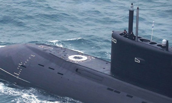 Russian Kilo class submarine Krasnodar in the English Channel