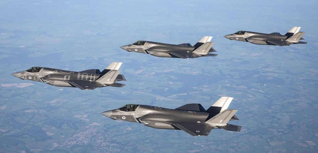 F-35s arrive in the UK
