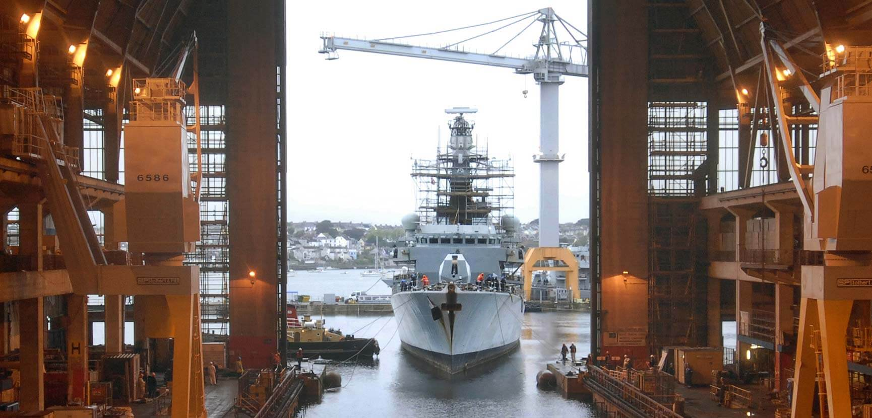 HMS Richmond enters Frigate Refit Complex