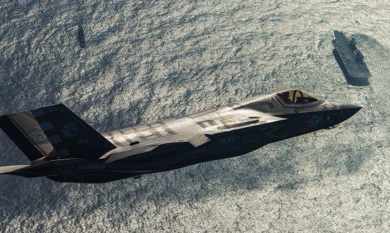 F-35 over HMS Queen Elizabeth