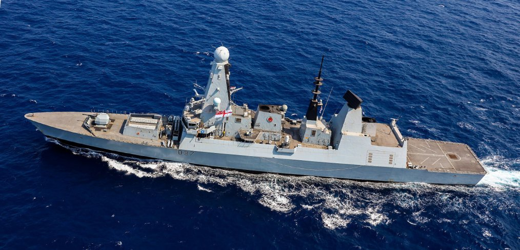 HMS Duncan buzzed by 17 Russian jets in the Black Sea | Save