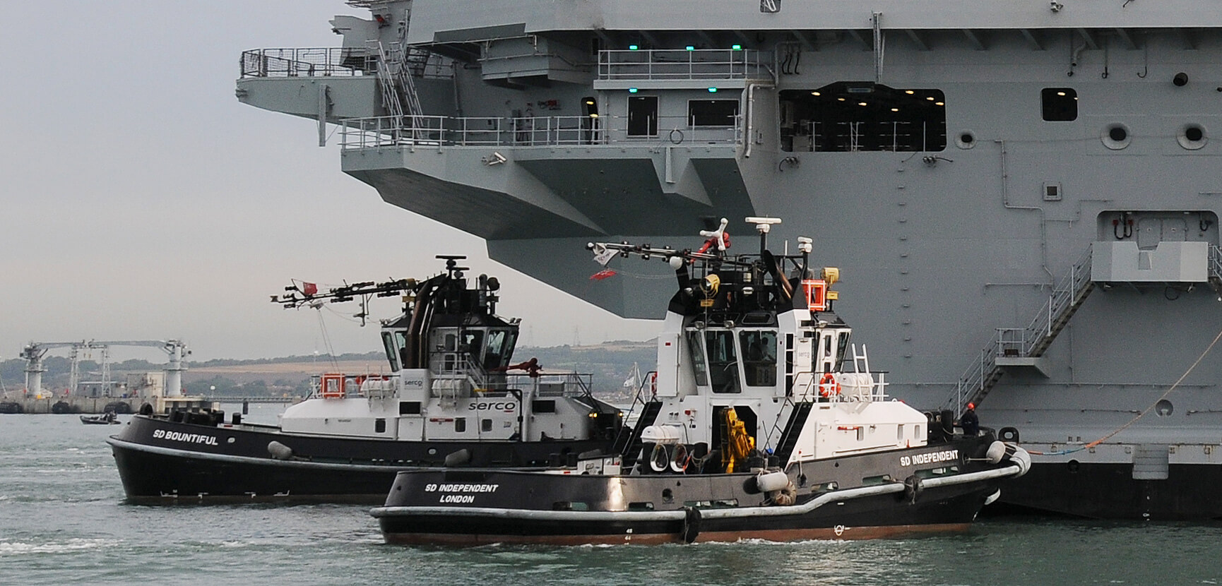 Serco tugs assist HMS Queen Elizabeth