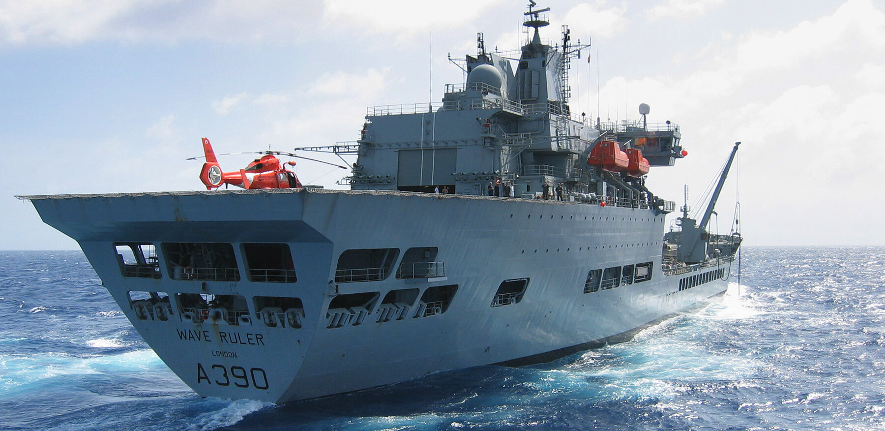 RFA Wave Ruler RAS crane
