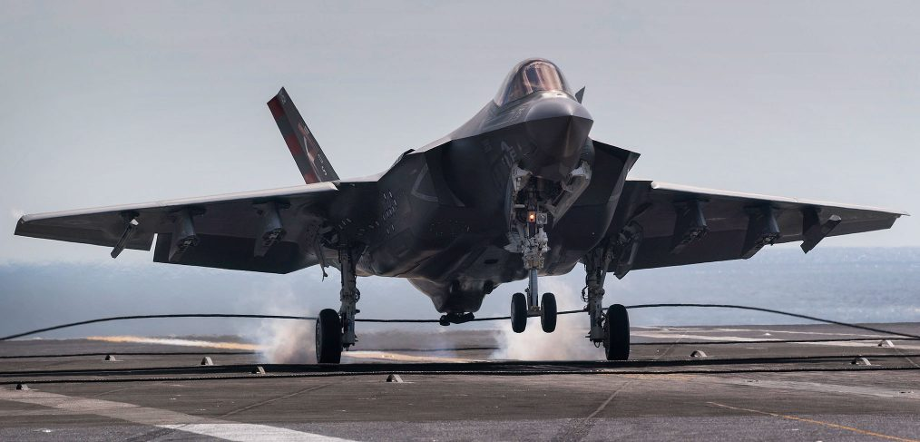 F-35C catches arrestor wire